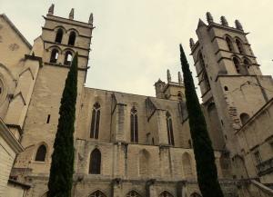 Vue sur la cathédrale Saint Pierre depuis la Fac de médecine