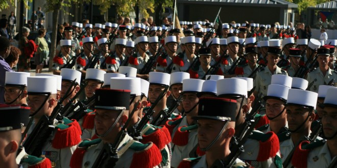 Millau. Pas de défilé du 11 novembre pour la Légion à cause d'une dizaine d'antimilitaristes