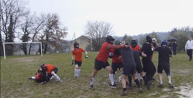 La Soule, un sport médiéval viril, renaît aujourd'hui en Occitanie (Vidéo)