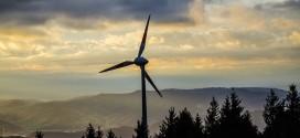 Aude. Des agriculteurs protègent leurs terres menacées par les éoliennes et se retrouvent au tribunal